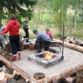 Nuotiopaikan rakentamisessa käytettiin lapsityövoimaa 2009.